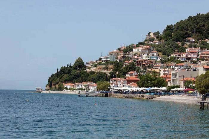 Turisti koji su bili na Eviji vraćaju se u Srbiju, nisu hteli da ostanu u karantinu