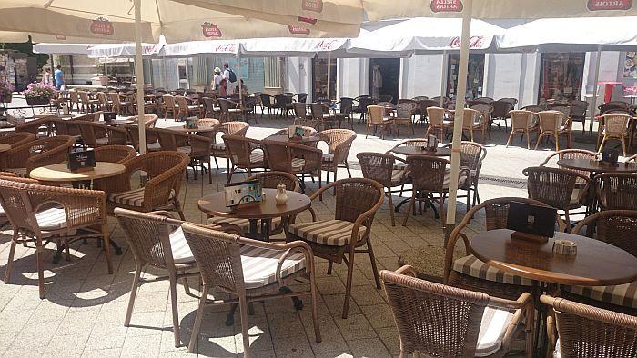 Krizni štab dozvolio otvaranje bašti kafića i restorana