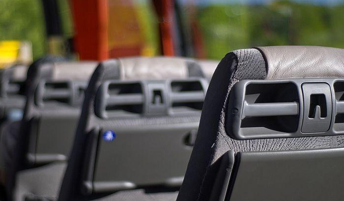 Novi pravilnik o organizovanom prevozu dece: Sva deca moraju biti vezana pojasem, mir i disciplina tokom vožnje