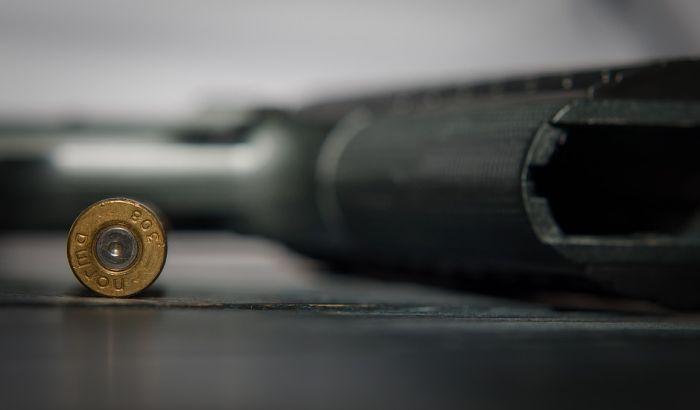 Pretresom stanova pronađeno oružje, osumnjičeni uhapšeni