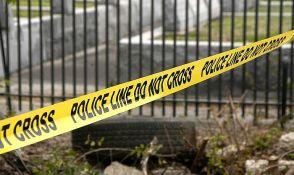 Policajac se kolima zaleteo u povorku dece, linčovala ga masa