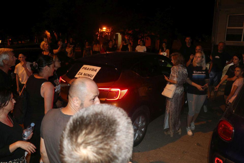 Tužioci o incidentu na protestu u Petrovaradinu: Koleginica bila linčovana, bez zaštite policije