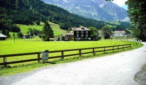 Švajcarska na referendumu podržala uvođenje oštrije kontrole oružja