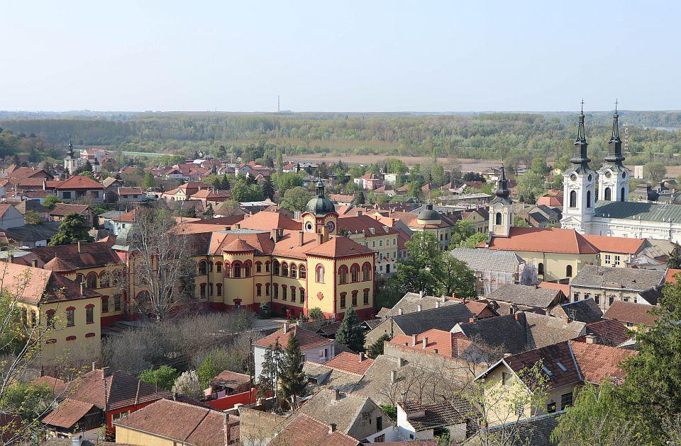 Čoban: Čelnici Sremskih Karlovaca su nesposobni; SNS: U Karlovcima nema mesta za Čobanove vašare