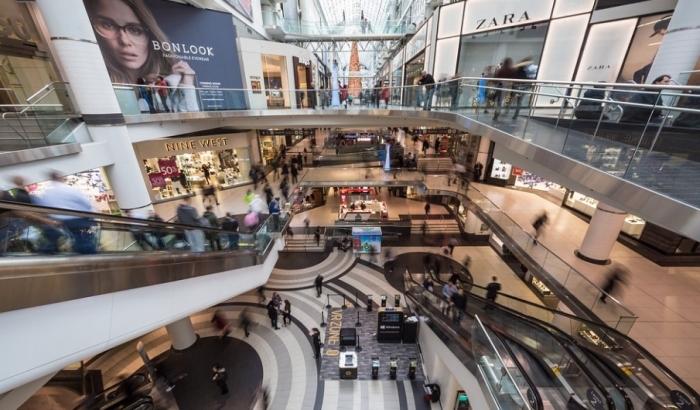 Od danas na snazi nove mere: Rade tržni centri, ugostitelji još uvek u baštama i na šalteru