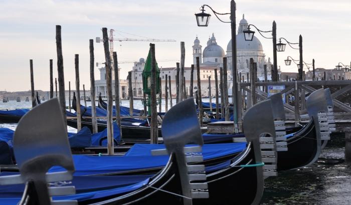 Večeras putujemo u Veneciju sa Slađom Velendečić