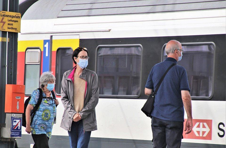 Velika Britanija pojednostavljuje kovid propise za putovanja