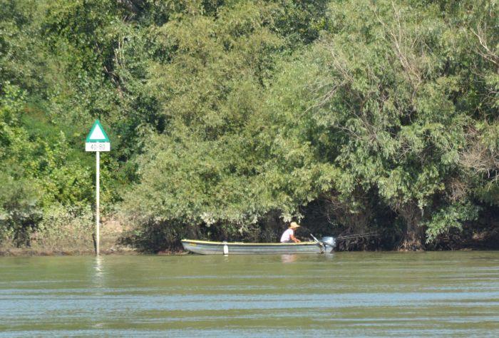 Pecaroši iz Novog Sada i Veternika kažnjeni zbog pecanja bez dozvole i u vreme zabrane