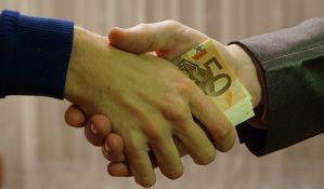 Ekonomiju Srbije guši korupcija,
