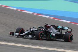 Hamilton na pol poziciji u Bahreinu