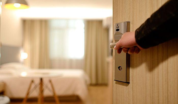 Turizam u Španiji teško pogođen koronom, prodaju se hoteli