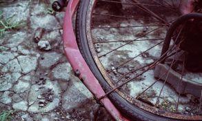 Ukradenim automobilom udario dvojicu biciklista, jedan preminuo na licu mesta