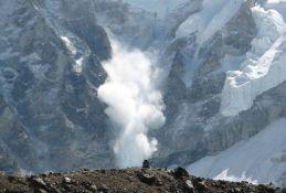 Četvoro nestalo u snežnoj lavini u Švajcarskoj