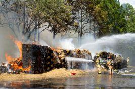 Zapalile 200 tona slame dok su pokušavale da snime video za Tiktok
