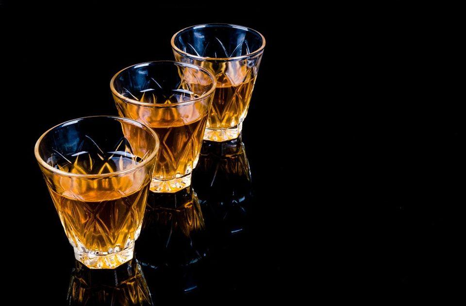 Zbog akciza rakija poskupljuje, viski jeftiniji