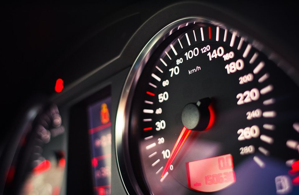 "Pijan autoputem vozio ""mercedes"" 163 km/h"