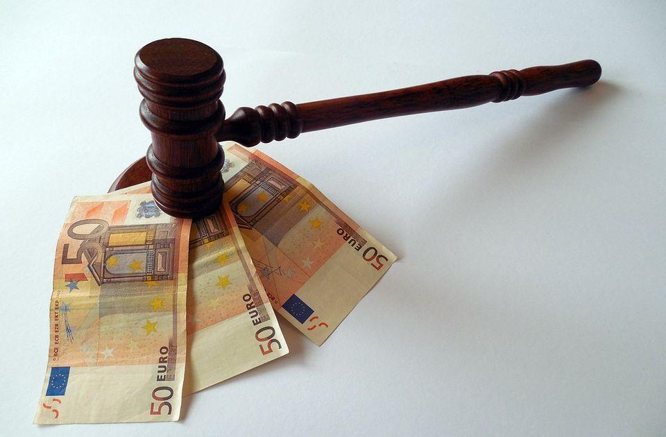 Oprezno sa pozivima za besplatne sporove protiv banaka, udruženja preprodaju tužbe advokatima
