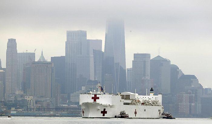 FOTO: Brod-bolnica stigao u Njujork