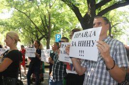 VIDEO, FOTO: Građani ispred suda tražili