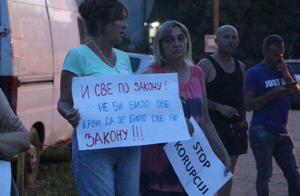 """Stanari Petrovaradina nastavljaju protest: """"Pravda za Ninu"""" od 10 časova ispred suda"""