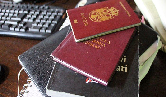 Usvojen Zakon o putnim ispravama, do novog pasoša moguće i pre isteka