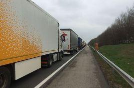 Kamioni na Batrovcima čekaju jedan sat