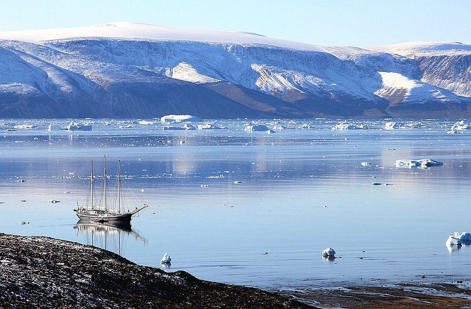 Grenland se ubrzano zagreva: Prvi put pala kiša na visini od 2.600 metara