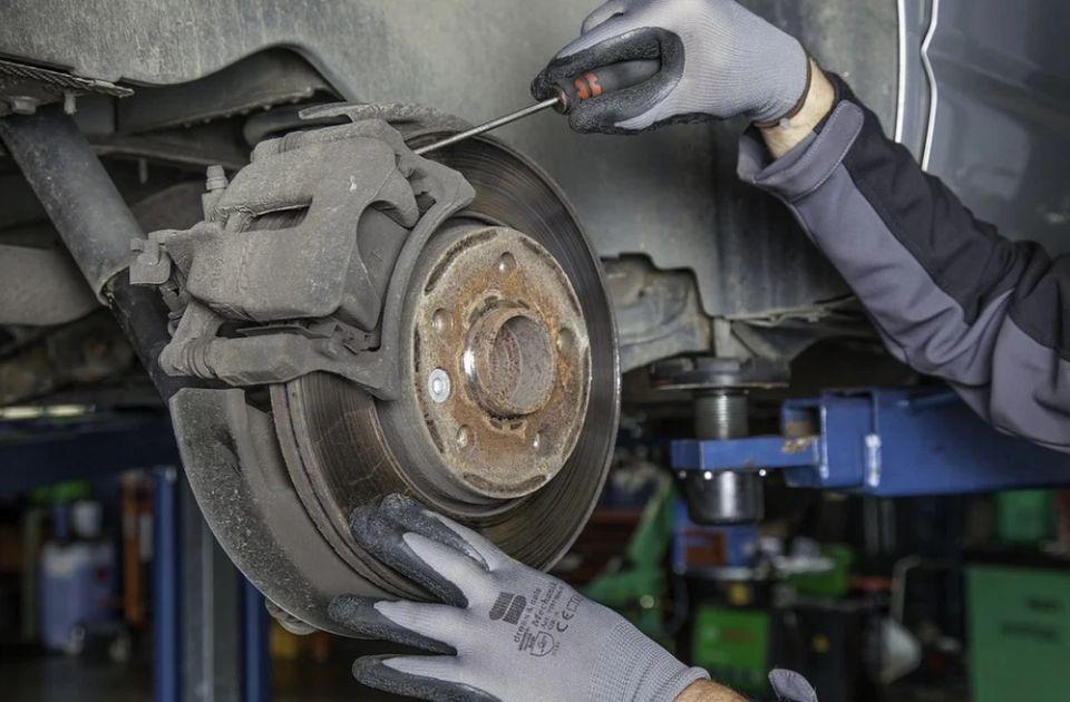 Znatno smanjen broj vozila koja prolaze tehnički pregled: Cene više, a obe strane nezadovoljne