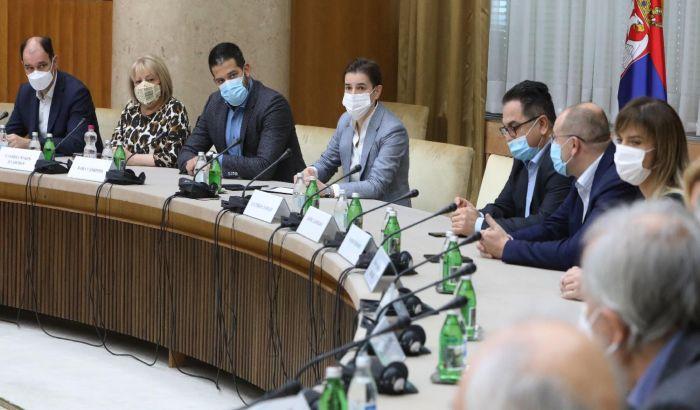 Nošenje maski na otvorenom ipak preporuka, a ne obaveza