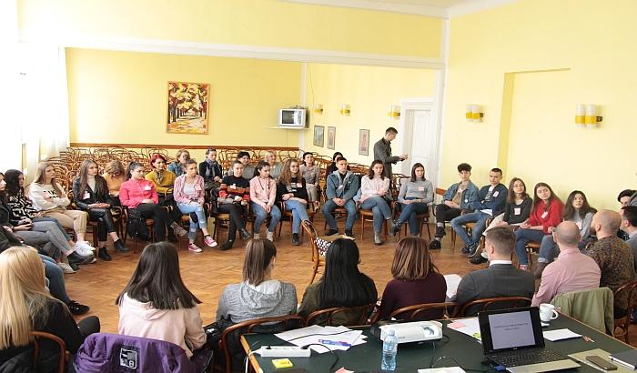 Počela studijska poseta učenika iz Novog Pazara novosadskim učenicima -