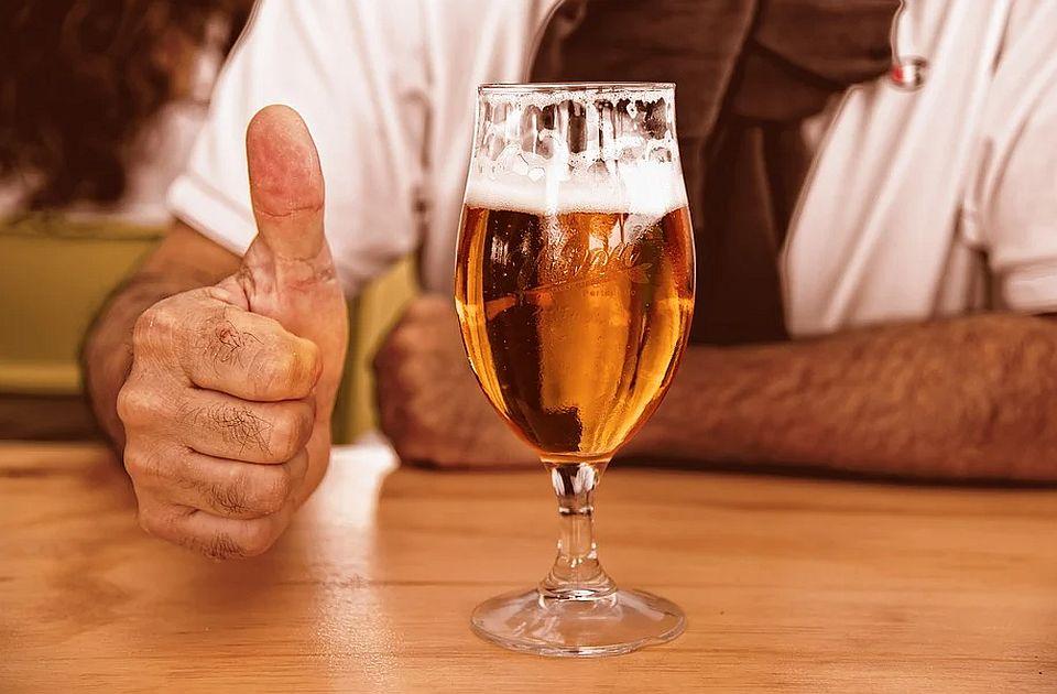 Nema dokaza da alkohol utiče na efikasnost vakcine protiv kovida