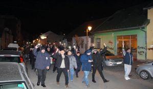 FOTO: Podrška otpuštenim žandarmima na večerašnjem protestu