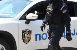 GTA Belgrade: Bežali od policije, udarili u banderu, kriminalac potegao pištolj, pronađena droga