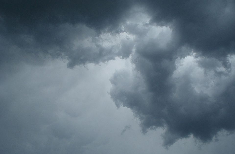 Sutra oblačno, ali suvo