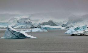 NASA upozorava da se ogromni glečer odvaja od Antarktika