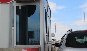 Oko 35.000 vozača godišnje izbegne plaćanje putarine, pojedini seku i ograde uz kolovoz