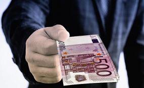 Stamenković: Prosečna plata od 900 evra moguća pod određenim uslovima, računica složena