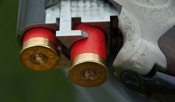 Dečak stradao baratajući očevom lovačkom puškom