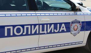 Maloletnik u Novom Sadu opljačkao baku i povredio je