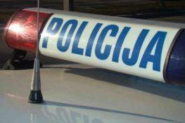Vrbas: Udarao maloletnika i ukrao mu mobilni telefon