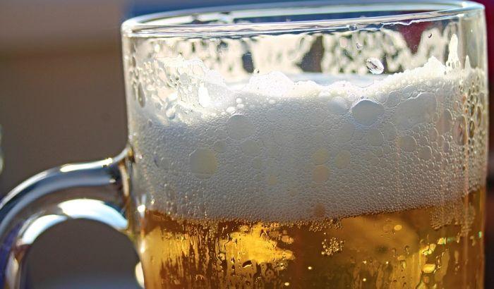 Najveći pad potrošnje piva u pabovima u Britaniji od 1920.