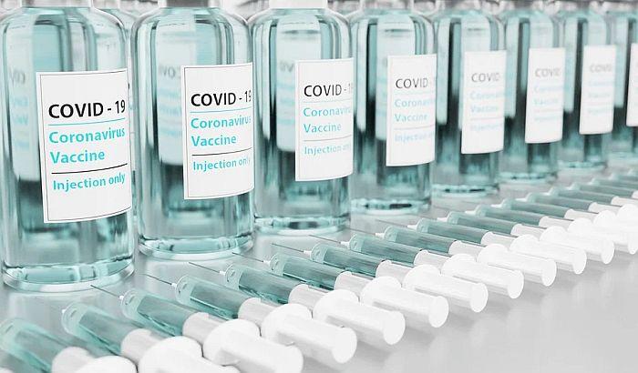 """Direktor kompanije """"Džonson i Džonson"""": Vakcina protiv kovida možda jednom godišnje"""