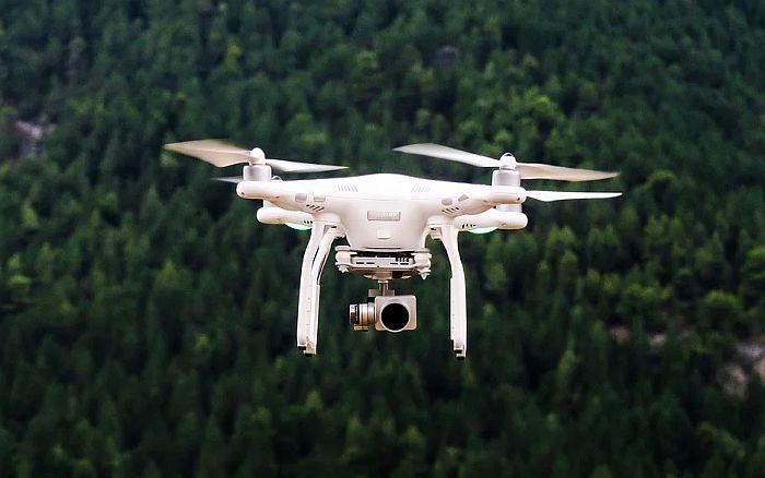 Glavni grad Litvanije dronovima sprečava građane da se okupljaju