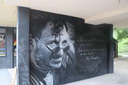 FOTO, VIDEO: Ustaškim obeležjem oskrnavljen mural posvećen Đorđu Balaševiću na Limanu