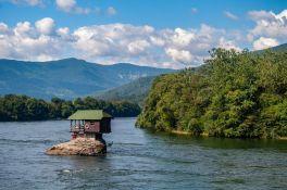 Još 20.000 turističkih vaučera od sutra dostupno građanima Srbije