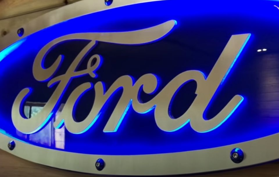 Ford povlači 617.000 vozila zbog krovnih nosača