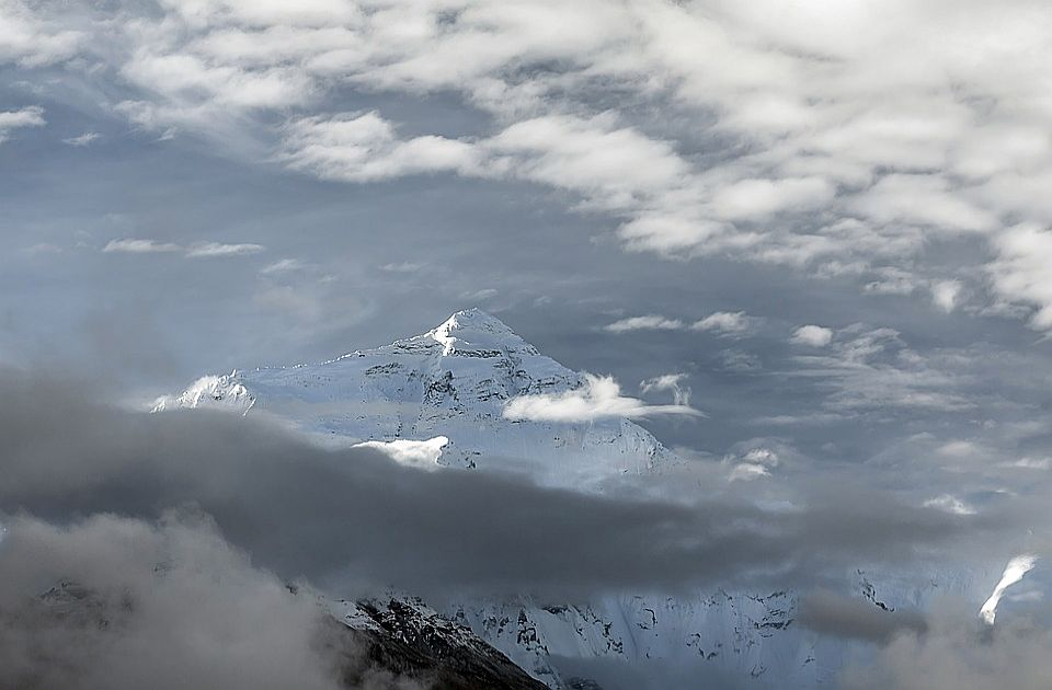 Kina otvara severnu stranu Mont Everesta za 38 alpinista