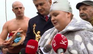 Tinejdžerka pobedu u plivanju za časni krst posvetila borbi protiv raka