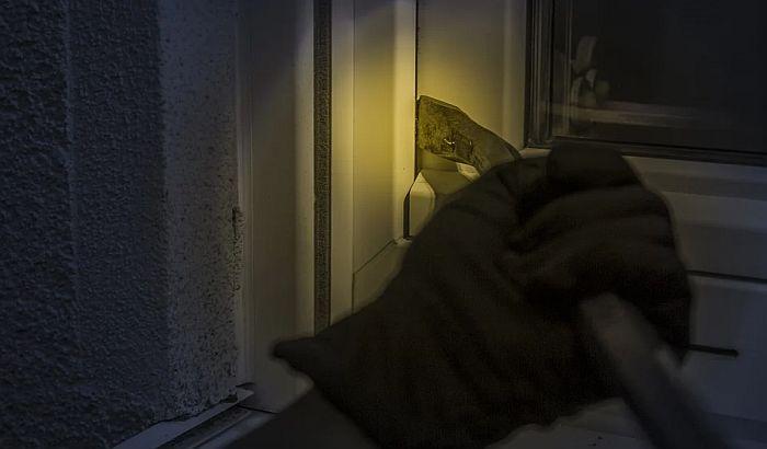 Provalnici upali na vikendicu i Novosađaninu oteli laptop i telefon