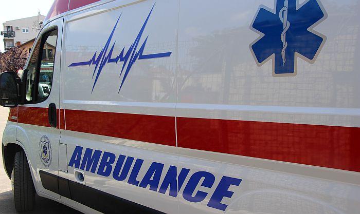 Sedmogodišnjak pao sa trećeg sprata zgrade u Nišu, zadobio lake povrede